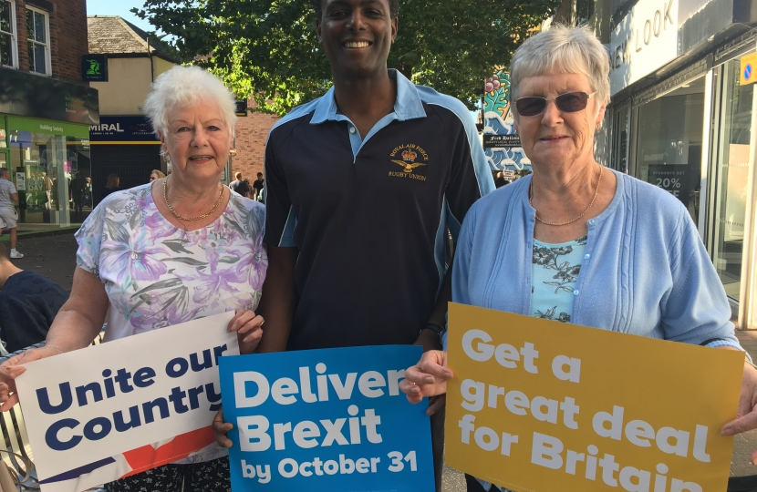 Darren Henry Conservative MP candidate Broxtowe with 2 ladies